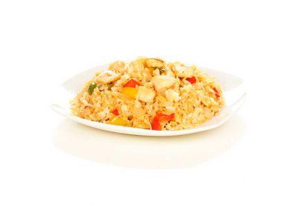 Рис по пекински с курицей в кафе Микс