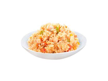 Рис по пекински с лососем в кафе Микс